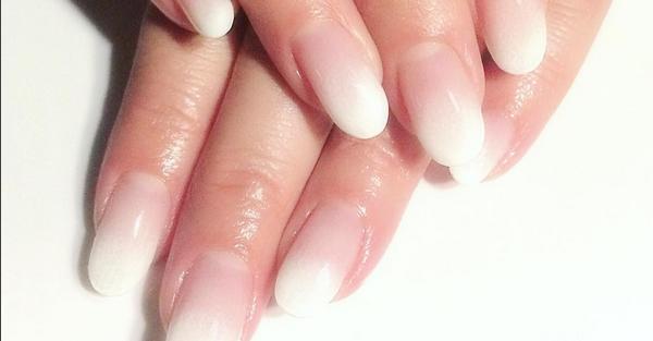 Ombré nail, come realizzare la manicure sfumate più trendy della stagione