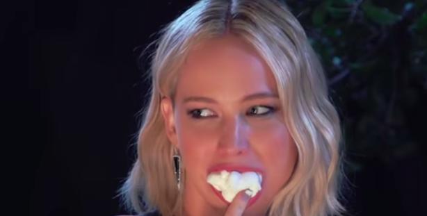 Jennifer Lawrence e i marshmallow