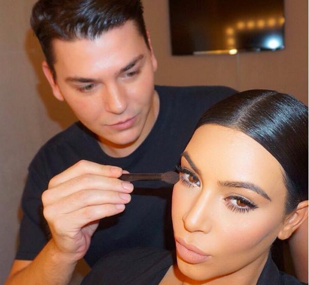 Mario Dedivanovich al lavoro su Kim Kardashian