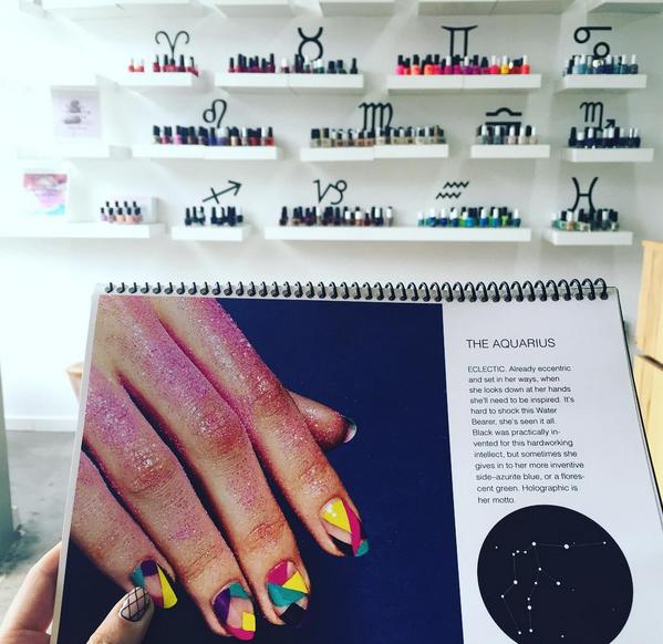 Il salone di manicure Enamel Diction, a Los Angeles