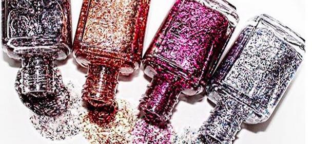 Nail art, la manicure natalizia da fare a casa