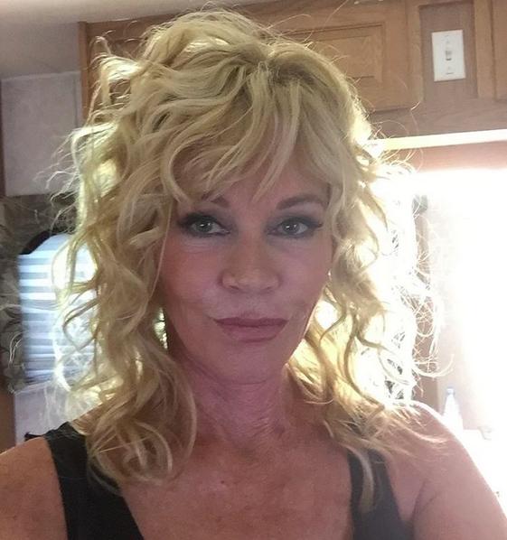Melanie Griffith, selfie contro gli hater