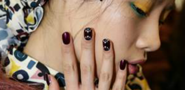 Dot Nails - I'm Isola Marras