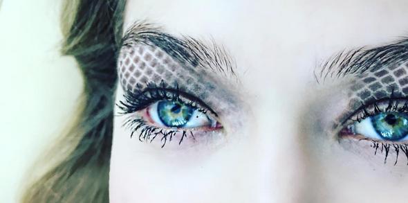 Photo credit: Instagram @bellahadid