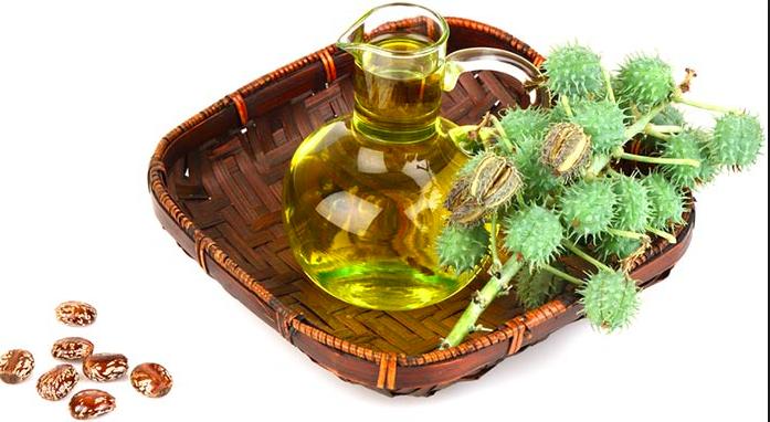 Olio di ricino per lo splendore dei capelli